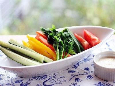 地野菜をたっぷり使ったサラダ
